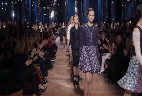 Με Ελληνικό τραγούδι η πασαρέλα του Dior στο Παρίσι!