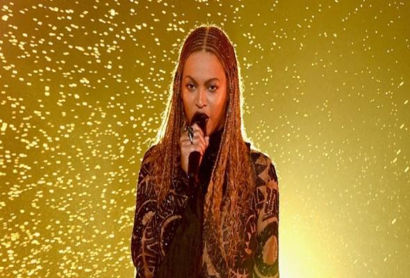 Beyonce: Δες την εκρηκτική της εμφάνιση στα BET Αwards